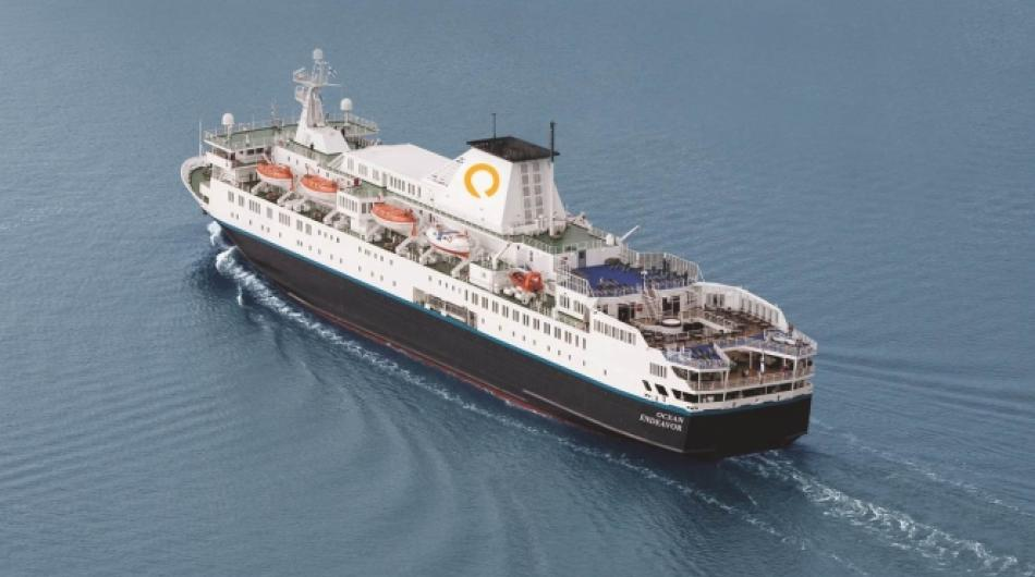 Ocean Endeavour contro il ghiaccio delle Shetland Meridionali