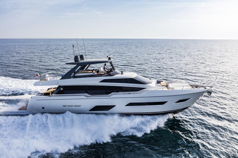 Ferretti Yachts 780 New