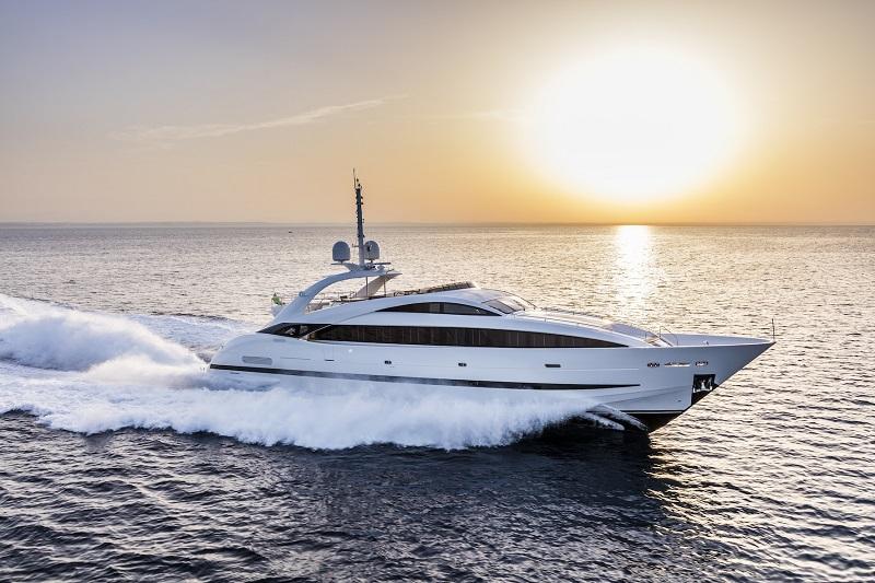 """ISA Sport 120 """"Clorinda"""" ai prossimi saloni nautici internazionali di Cannes e Monaco"""