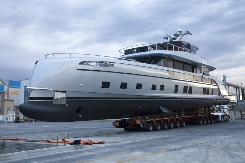 Dynamiq Yachts vara il GTT 115, moderno superyacht ibrido ad alto contenuto di tecnologia e prestazioni