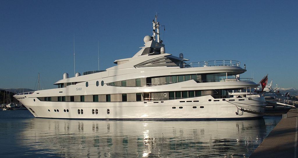1024px-Yacht_Ona_22