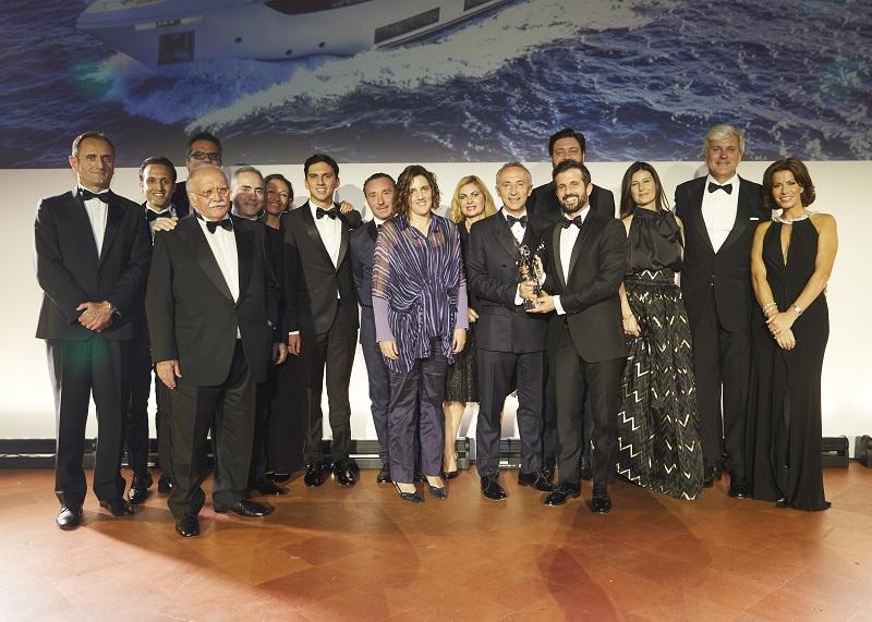 """Custom Line Navetta 33 """"Telli"""" trionfa ai World Superyacht Awards 2018 nella categoria """"Miglior Yacht Semi-Dislocante Three-Deck"""""""