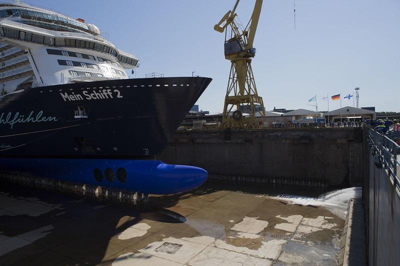 Float out per la nuova Mein Schiff 2