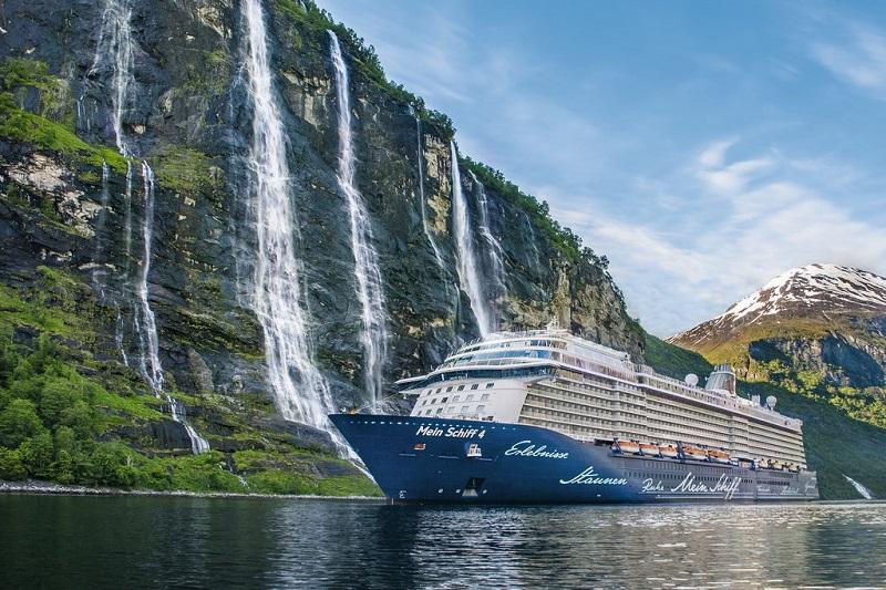 TUI Group si prepara alla ripresa dell'attività crocieristica imbarcando al massimo mille passeggeri su ogni nave