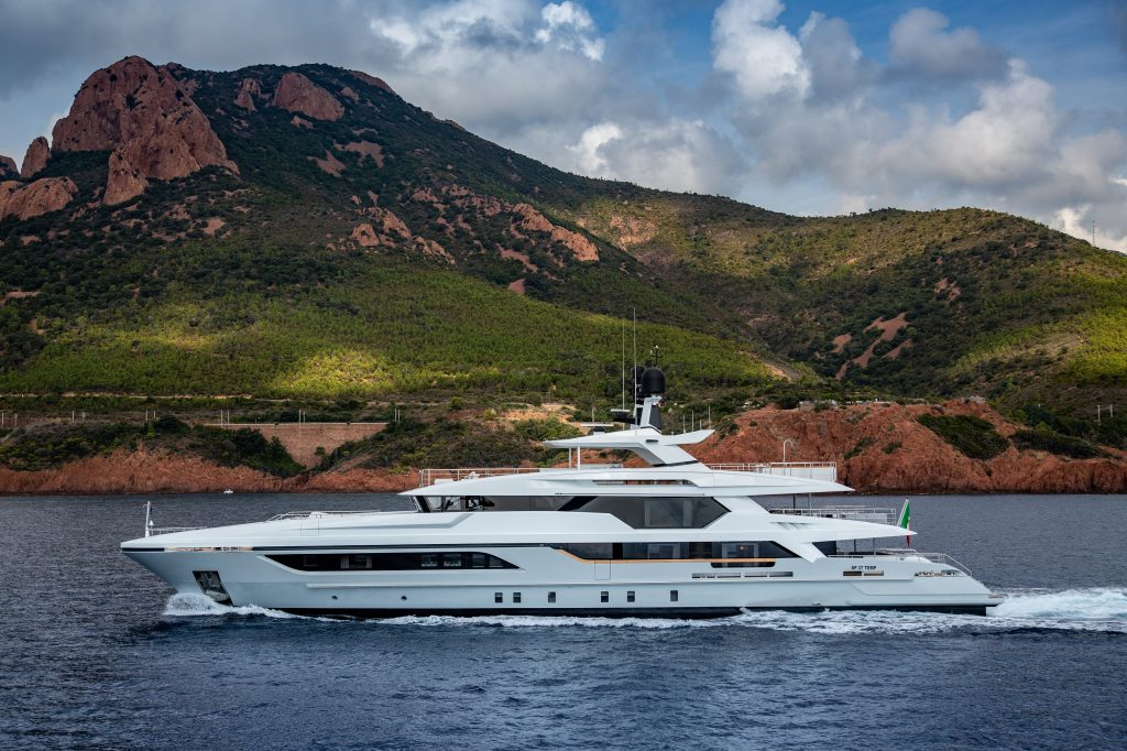 "Baglietto parteciperà al 34° Palm Beach International Boat Show con il 48m T-Line ""Silver Fox"""
