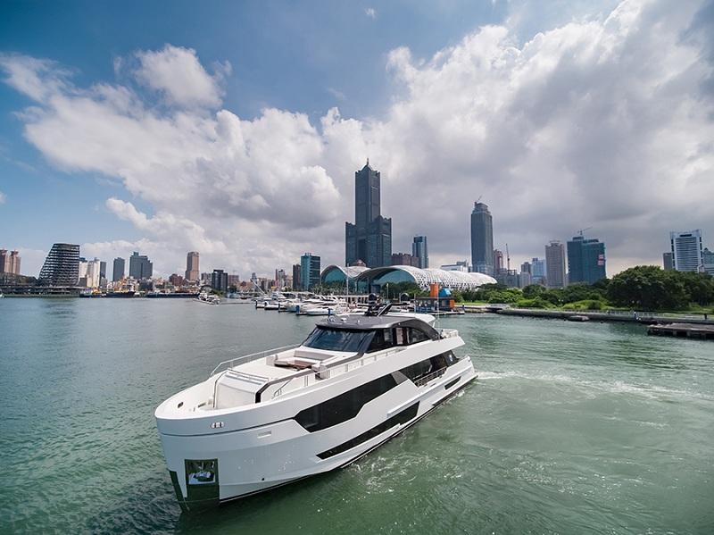 Ocean Alexander presenta 90R, primo modello della nuova serie Revolution
