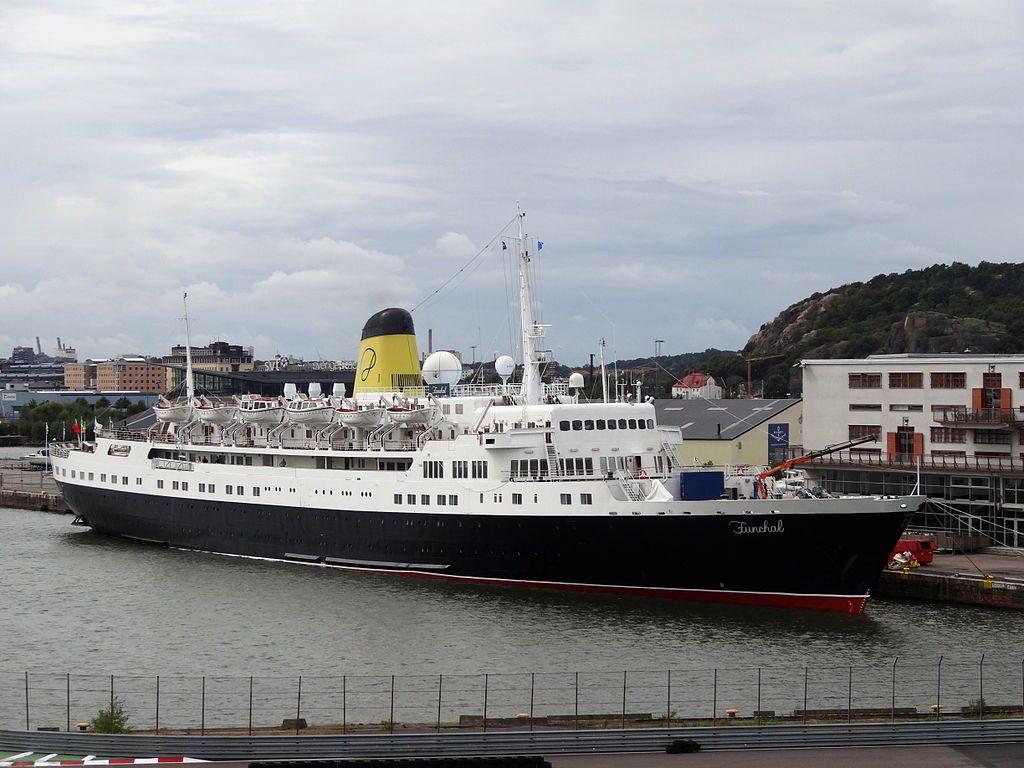 Per la Funchal finisce il servizio crociere. Diventerà una nave hotel a Londra