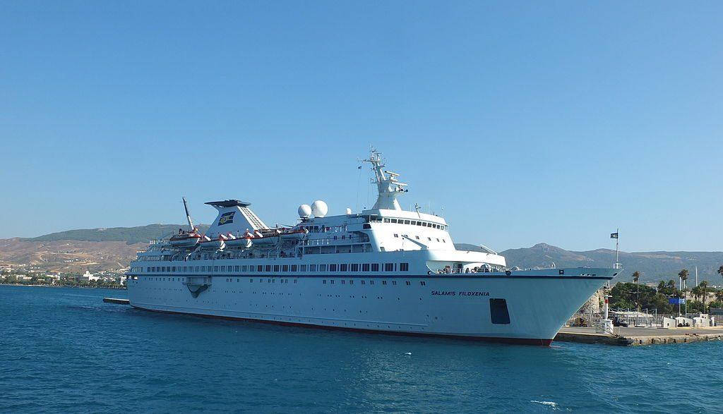 Nuovo stop per Pampa Cruises, annullato il contratto per l'acquisto della Salamis Filoxenia