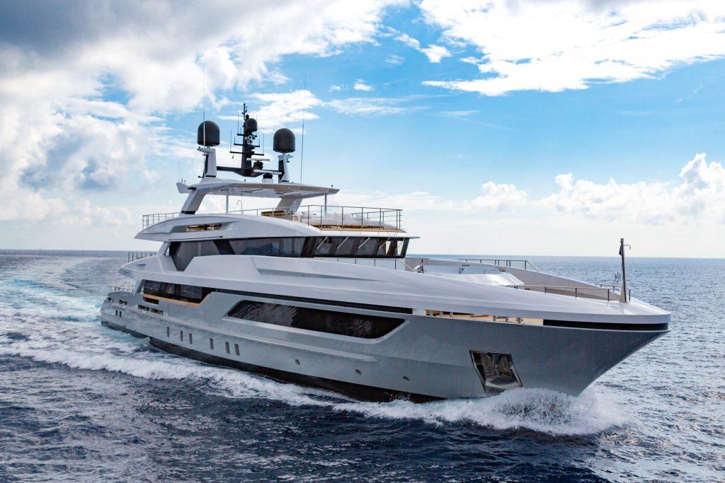 Baglietto scommette sulle Americhe: grande ritorno al Miami Yacht Show con il reveal di Silver Fox
