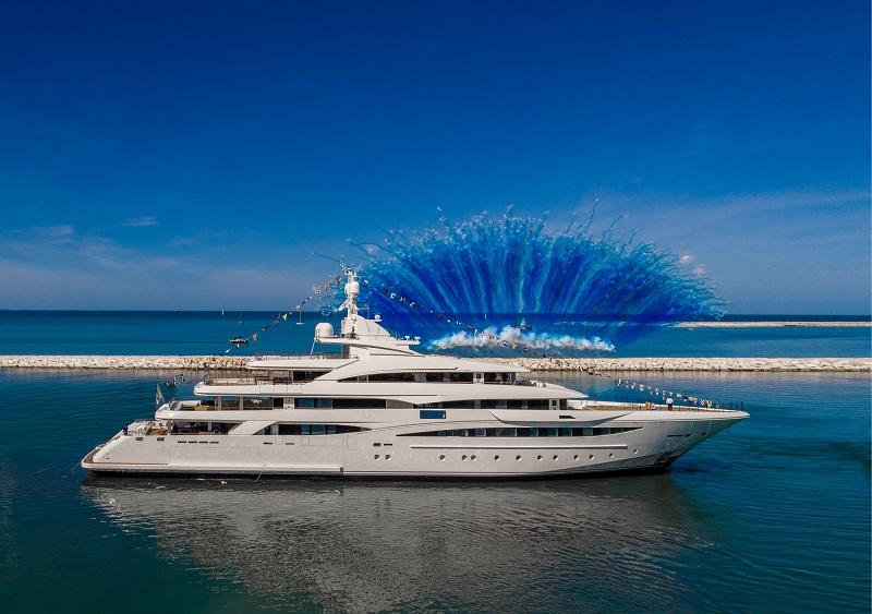 CRN vara il nuovo 79 metri M/Y 135, perfetta sintesi tra sartorialità, creatività ed esperienza