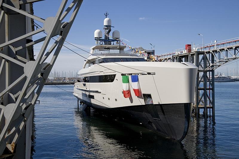 """Varato il nuovo 50 metri Tankoa S501 Hybrid """"Binta d'Or"""""""