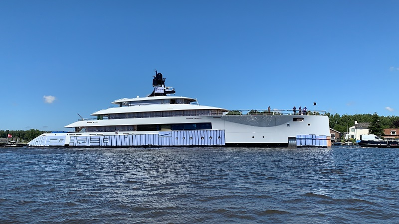 Feadship svela il Project 818 in streaming