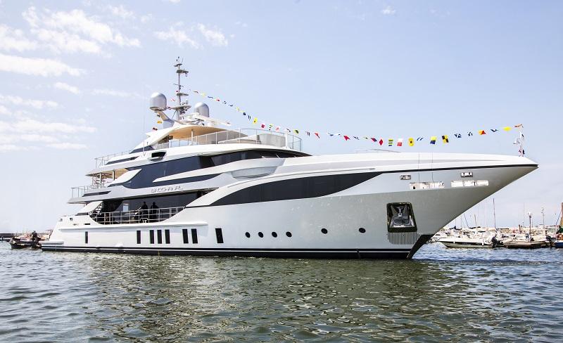 "Benetti vara M/Y ""Bacchanal"", mega yacht custom di 47 metri"