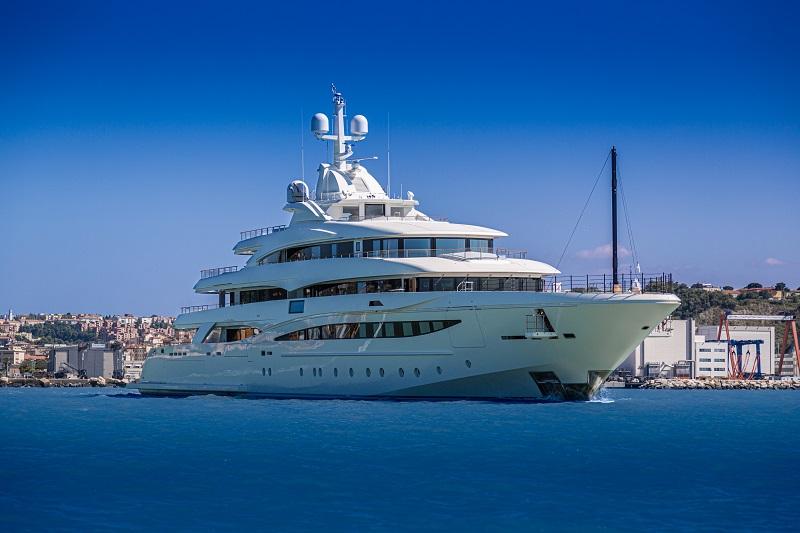CRN consegna M/Y 135 79 metri, massima espressione dell'eccellenza Made in Italy