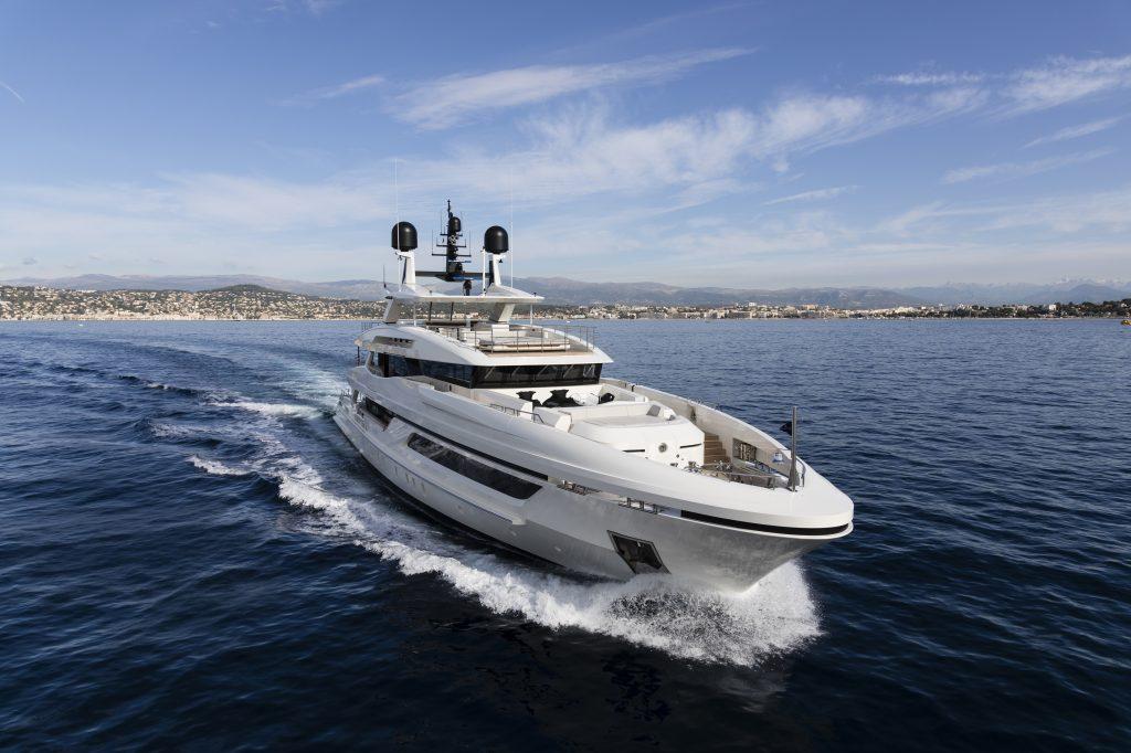Baglietto inaugura a Cannes la stagione dei saloni nautici con il M/Y Andiamo