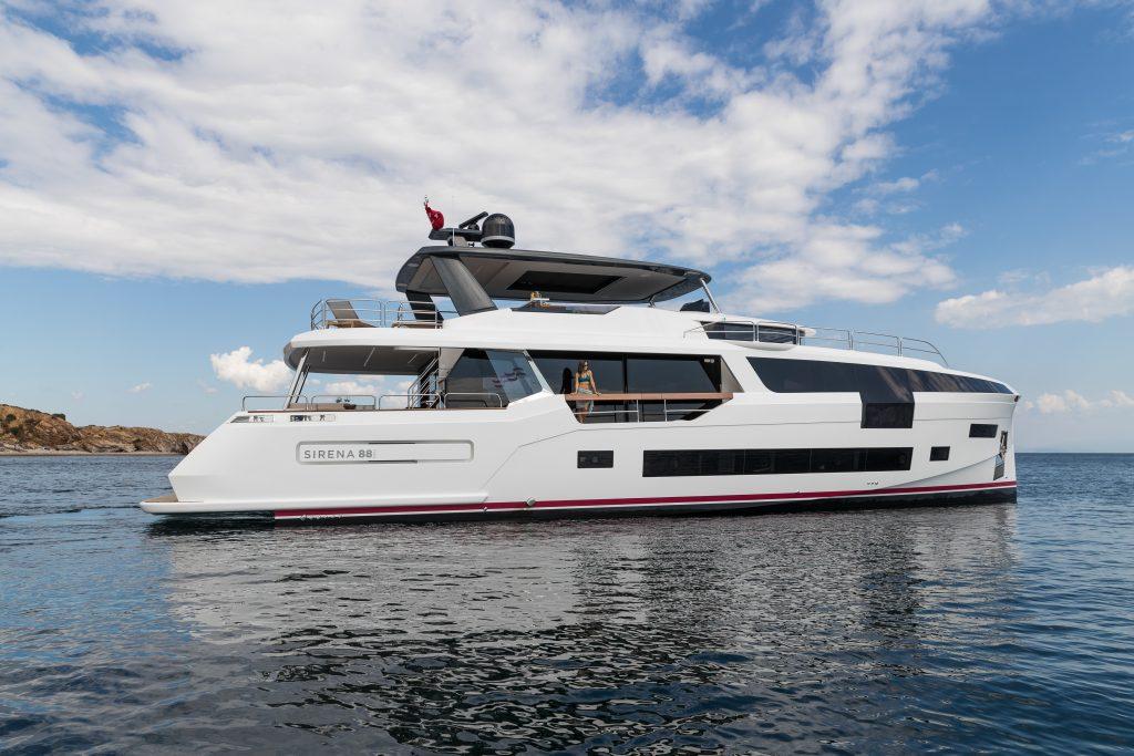 Sirena 88 debutta al Cannes Yachting Festival