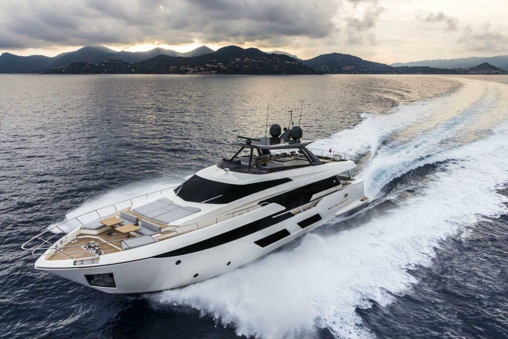 Ferretti Yachts 920 Pure: sentirsi come a casa