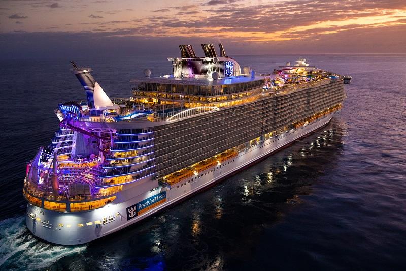 Oasis of the Seas torna in servizio dopo il restyling da 165 milioni di dollari