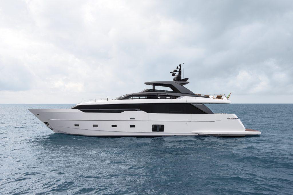 World Première di SL106A al Fort Lauderdale International Boat Show 2021