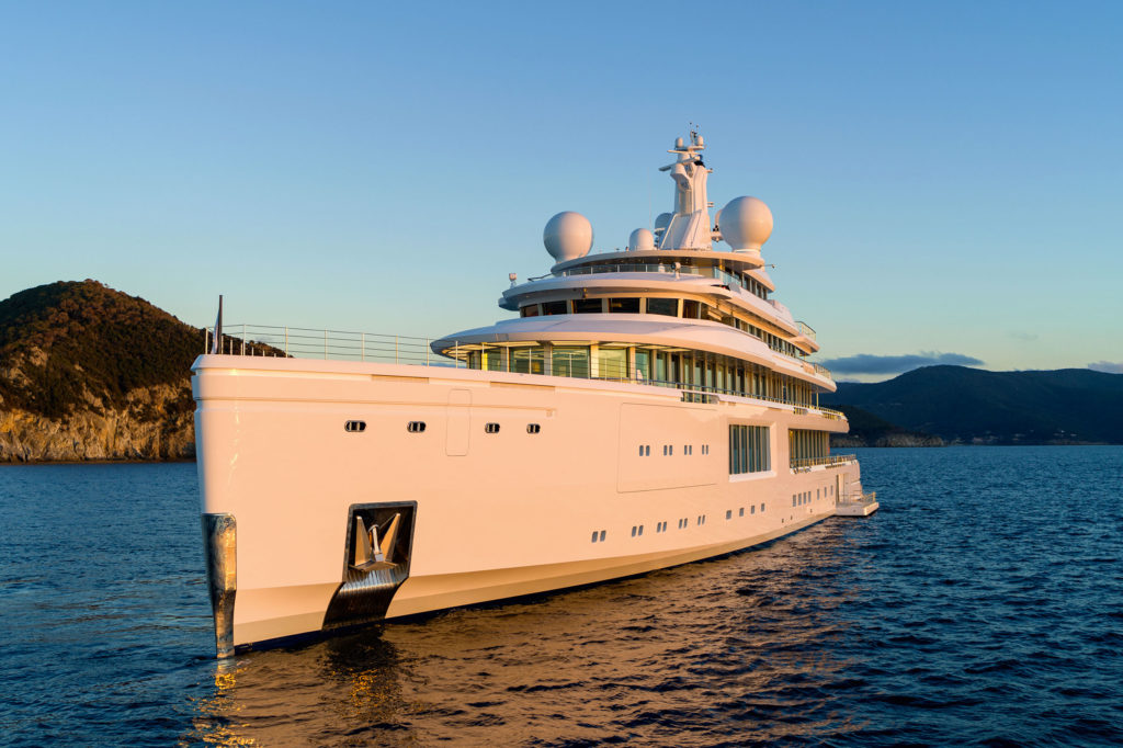 Benetti Luminosity in vendita da Burgess e Fraser