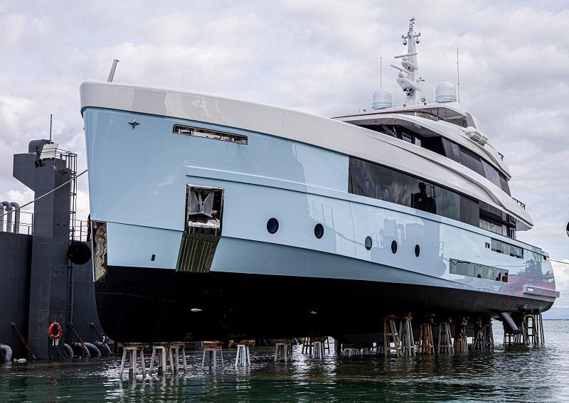 Admiral vara Crocus, il nuovo motoryacht di 48 metri