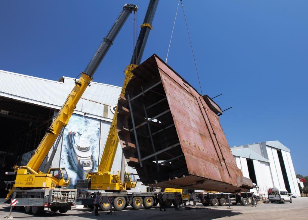 Proseguono i lavori per la realizzazione del primo Bering 145
