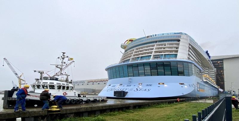 Odyssey of the Seas lascia il bacino coperto di Meyer Werft