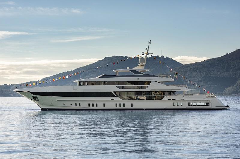 Sanlorenzo Superyacht vara la quinta unità del 52Steel