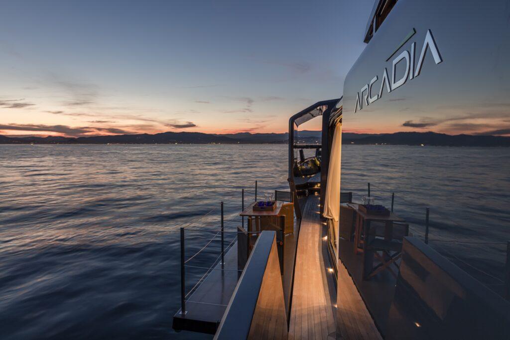 """I brand del design più esclusivi sono a bordo dell'Arcadia A105 """"Sea Coral 2"""""""