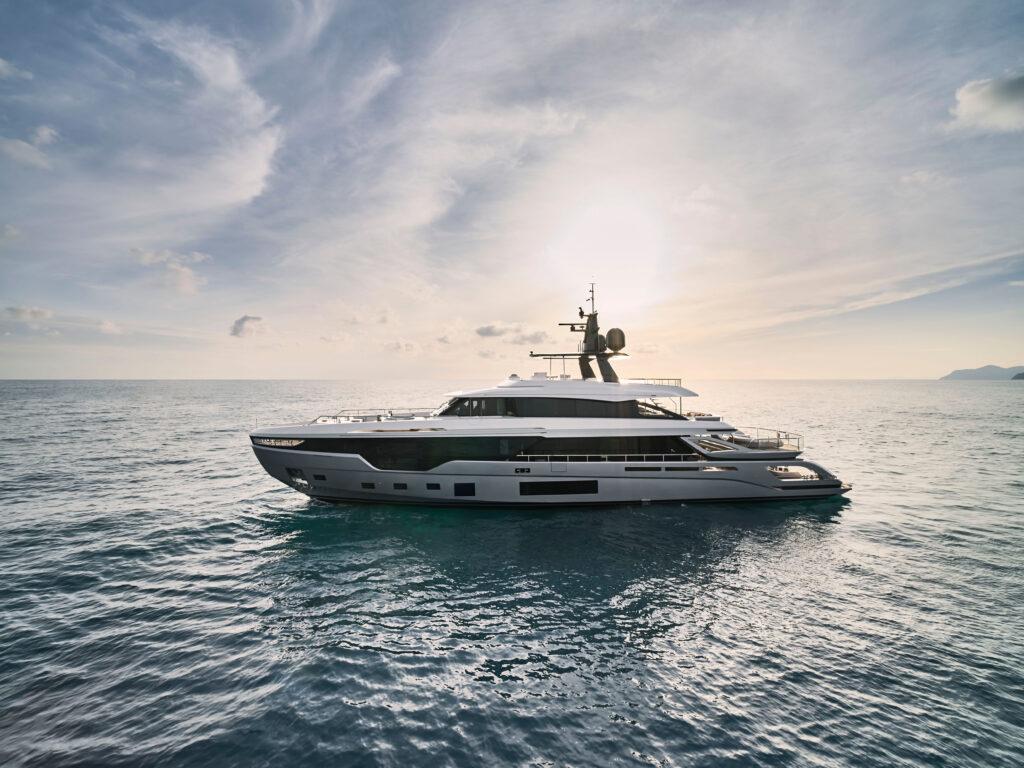 Azimut al Monaco Yacht Show 2021 con il Grande Trideck ed il Grande 35 Metri