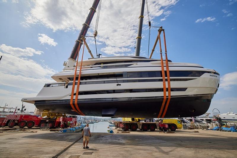 Extra Yachts vara l'X96 Triplex M/Y Anvilugi