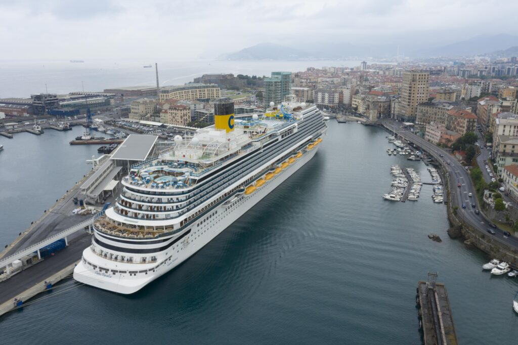 Costa Crociere cerca personale di bordo: recruiting day il 1° e 2 settembre per 120 assunzioni