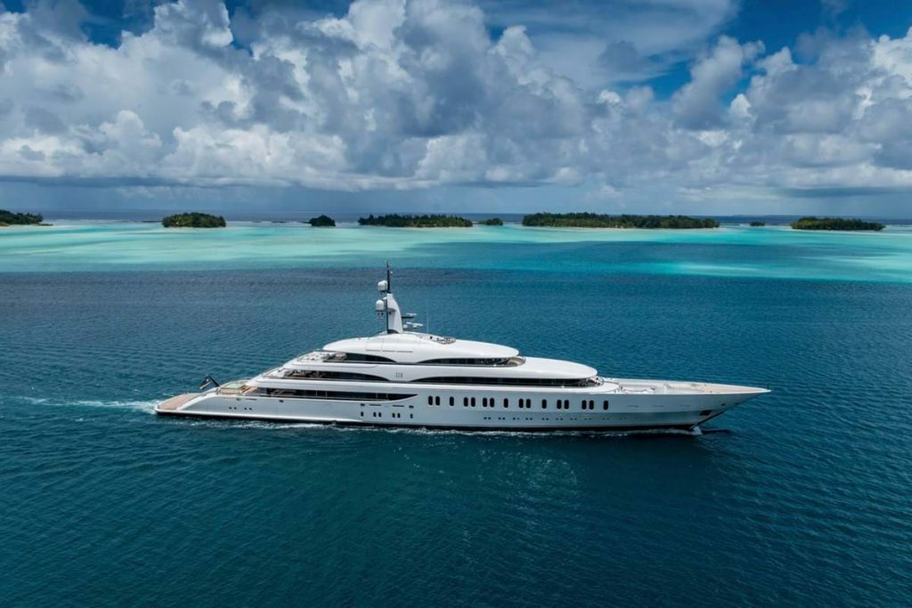 In vendita IJE, l'ammiraglia Benetti di 108 metri