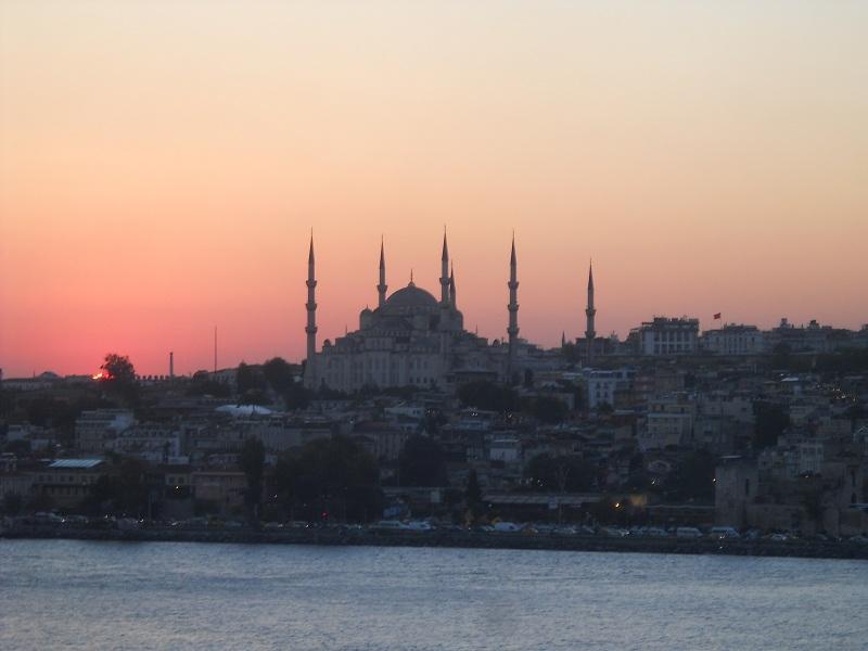 Crystal Cruises e Disney Cruise Line cancellano gli scali in Turchia