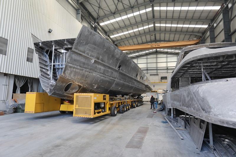 Procedono i lavori per la costruzione dello yacht di supporto a Project Phi