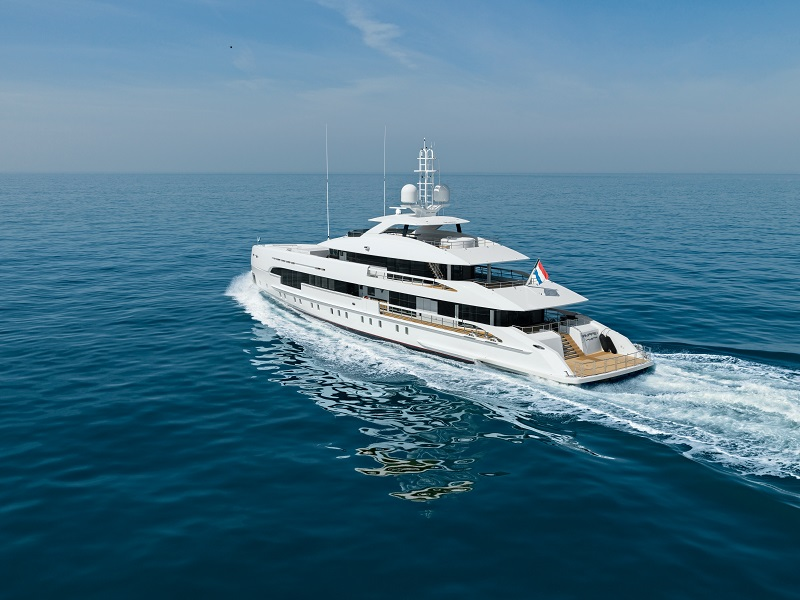 Heesen consegna Amare II, ex Project Electra