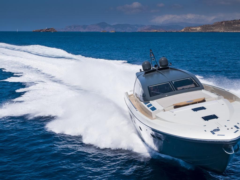 Il nuovo Otam 80 HT Attitude stupisce il Mediterraneo unendo performance uniche e lusso