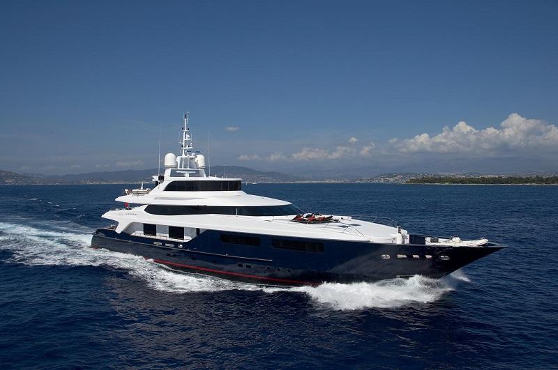 Baglietto T-Line M/Y Burkut subito disponibile per il charter da Camper & Nicholsons