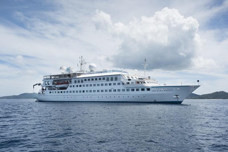 Crystal Esprit venduta a Lindblad Expeditions